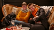 Rencontre littéraire sur canapé © Jean-Claude Boré